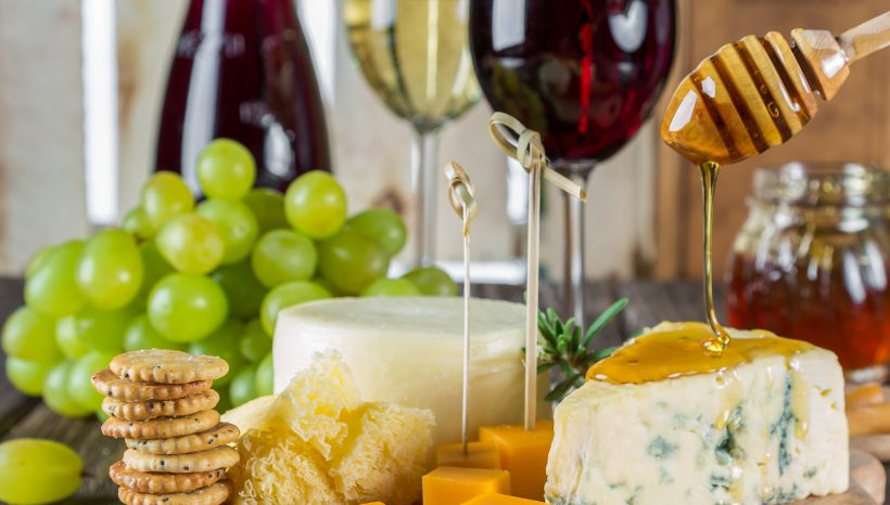 Blue Cheese Crackers with Grapes